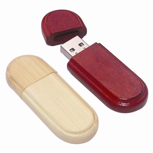 dřevěné USB