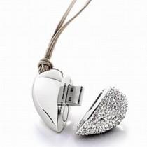 USB srdce - šperk