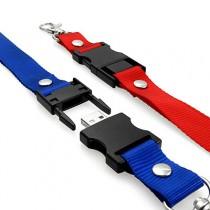 šňůrka na krk s USB v plastovém patentu