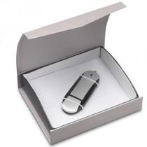 plastová krabička na USB